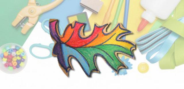 החומרים: צבעים (גירי שעווה – crayons) עלים נייר זכוכית מספריים   אופן ההכנה:  להתבונן היטב בעלים ולצייר בצבע שחור את קווי המתאר של העלה על נייר זכוכית. […]