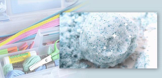 """יצירה קלה ו…זולה להכנה! מומלץ להכין מראש  החומרים: 1 ק""""ג עמילן תירס (קורנפלור) מיכל קצף גילוח נצנצים בצבע כסף (לא הכרחי) שקיות להקפאה קערית גדולה    אופן […]"""