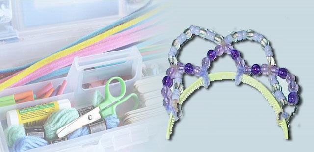 החומרים: קשת לשיער 2 מנקי מקטרות כ-40 חרוזים צבעוניים    אופן ההכנה: להשחיל את החרוזים בתוך מנקי המקטרות (לא צפופים יתר על המידה). להשאיר מקום בקצוות לחיבור […]