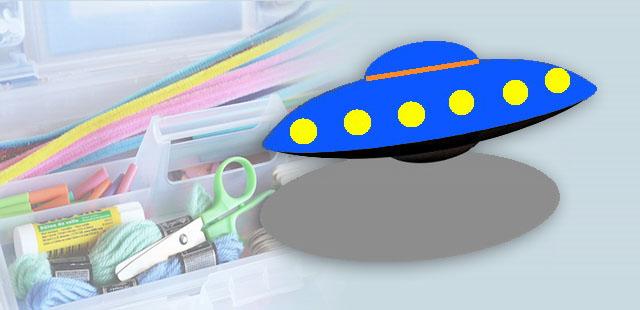החומרים: 2 צלחות נייר קעורות צבעי גואש/אקריל סרט/חוט מברשת או ספוג לצביעה מחורר   אופן ההכנה:  לחורר את החלק החיצוני של שתי הצלחות. לחורר בתחתית אחת […]